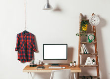 Minimalny biuro na białym tle Zdjęcia Royalty Free