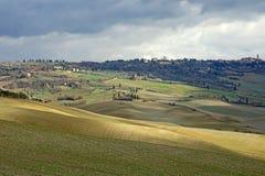 Minimalny krajobraz w val d ` orcia zdjęcia royalty free