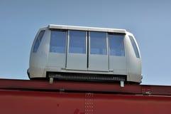 Minimetro,在铁路运输的一名自动化的人搬家工人。 库存图片