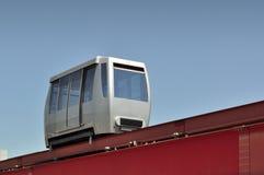 Minimetro, een geautomatiseerd rollend trottoir op spoor. Stock Afbeeldingen
