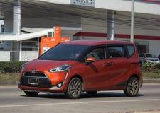 Minimpv Van van Toyota Sienta Royalty-vrije Stock Afbeelding