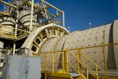 Free Mining Rotating Mill Royalty Free Stock Images - 99326929
