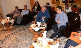 Minister cudzoziemski - sprawy republika Serbia, Ivica Dacic i Ambassador Stany Zjednoczone Ameryka w Serbia Kyle Scott, zdjęcia stock