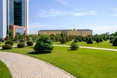 Minister Finansów w pierwszoplanowym i Rządowym budynku w Tashkent Zdjęcia Stock