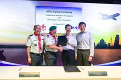 Minister Ng Chee Meng at signing ceremony at the Aviation Open House Stock Photos