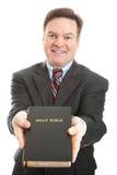 Minister oder Missionar mit Bibel lizenzfreie stockfotografie