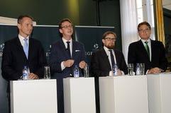 MINISTER PRESSEKONFERENZ DES GELENK-VIER Stockfotos