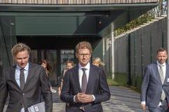 Minister Sander Dekker Leaving At Almere Nederländerna 2018 Öppna, når att ha flyttat sig från Utrecht till den Almere staden Ned arkivbilder