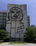 Minister Spraw Wewnętrznych z stalowym pomnikiem Kubański bohater Che Guevara - rewolucja kwadrat, Kuba zdjęcie royalty free