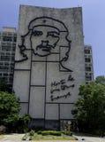 Minister Spraw Wewnętrznych z stalowym pomnikiem Kubański bohater Ernesto Che Guevara - rewolucja kwadrat, Hawański, Kuba zdjęcia stock