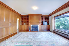 Ministerstwo Spraw Wewnętrznych z graby i drewna ścianami w luksusowym starym Ameican domu. zdjęcia stock