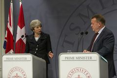 Ministro de Theresa May Visits Danish Prime en Copepenhagen fotografía de archivo