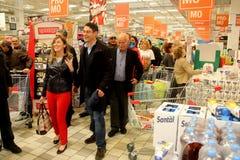 Ministro Maria Elena Boschi, en el supermercado Foto de archivo libre de regalías