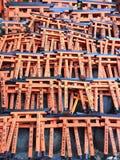 Miniture de la puerta de Toriis, capilla de Fushimi Inari, Kyoto Japón fotos de archivo