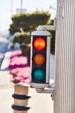 Miniverkeerslicht Dubbele verkeerslichten in Doubai stock foto's