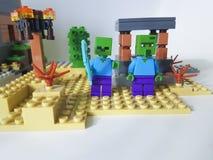 Minizahl Lego Minecraft-Quadrat Ukraine, Kiew am 21. Februar 2018 Kindheit des Bauernhofklingenmannplastikspiels populäres Lizenzfreies Stockbild