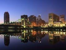 Minneapolis bij nacht Stock Foto's