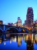 Minneapolis da baixa na noite Imagem de Stock