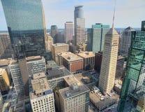 Minneapolis horisont i Minnesota, USA royaltyfria bilder