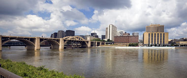 minneapolis panorama- paul st USA Arkivbilder