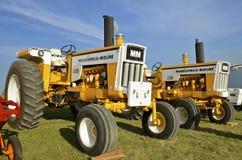 Minneapolis restaurada tractores G750 y G850 de Moline Foto de archivo libre de regalías