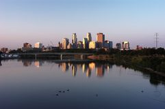Minneapolis skyline. Reflecting in the Mississippi River Stock Photography