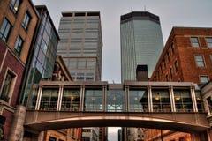 Minneapolis-Skyline in Minnesota, USA lizenzfreie stockbilder