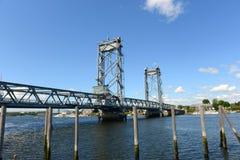 Minnes- bro, Portsmouth, New Hampshire fotografering för bildbyråer