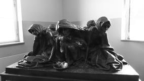 Minnes- skulptur för Auschwitz museumförintelse - Juli 7th, 2015 - Krakow, Polen, EU arkivbild