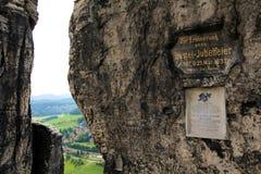 Minnes- underteckna in Bastai arkivfoton
