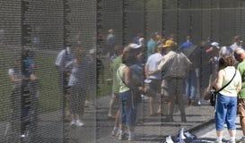 minnes- veteranvietnam besökare kriger Arkivfoton