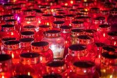 Minnesdagen - grupp av stearinljus Arkivfoton
