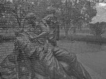 Minnesmärke för Vietnam kvinna` s och väggen för Vietnam veteranminnesmärke Arkivfoto