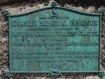 Minnesmärke på den Craster hamnen Northumberland arkivbild
