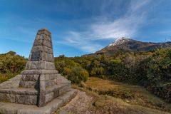 Minnesmärke på Mt Taranaki arkivbild