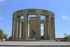 Minnesmärke som gör till kung Albert I av Belgien på Nieuwpoort Arkivfoton