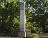 Minnesmärke till offren 1 Världskrig II i Tyrsovy Sady, Jablonec nad Nisou, Tjeckien royaltyfri foto