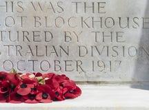 Minnesmärke WW1 till soldater på Tyne Cot Royaltyfria Bilder