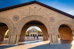 Minnesmärkekyrka på Stanford University Arkivbilder