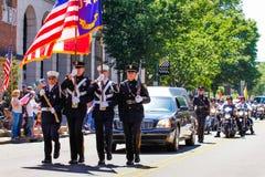 Minnesmärken ståtar för att välkomna hem- U S Soldat Missing i handling Arkivbild