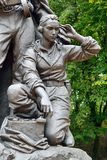 Minnesmärken till krigaren - spana (fragmentet). Victory Park Kaliningrad, Ryssland royaltyfri fotografi