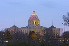 Minnesota statKapitolium på skymning Arkivbild