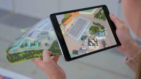 Minnestavla ökad verklighet app Arkivbilder
