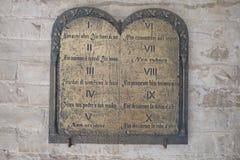 Minnestavla av de tio commandmentsna Arkivfoton
