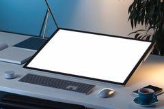 Minnestavla med den tomma vita skärmen, musen och tangentbordet på skrivbordet framförande 3d arkivbild