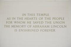 Minnet av Abraham Lincoln - handstil på väggen på Lincoln Memorial - WASHINGTON DC - COLUMBIA - APRIL 7, 2017 Royaltyfri Foto