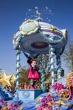 Minnie Mouse während der täglichen Parade, Disneyland Paris Lizenzfreie Stockbilder