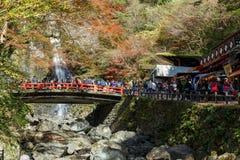 Mino-Wasserfall im Herbst, Osaka, Kansai, Japan lizenzfreie stockfotografie