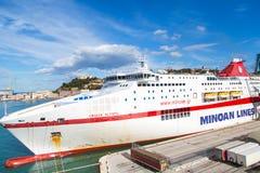 Minoan allinea il traghetto a porto Ancona immagini stock