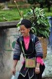 Minoranza cinese della donna di Hmong in Sapa, Vietnam Fotografia Stock